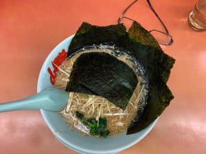 山岡家の味噌ネギ海苔トッピング